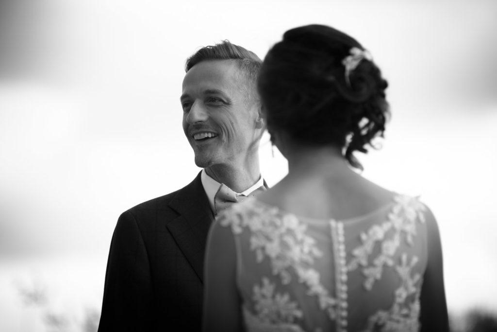 portrait photo du marié pour un mariage à aix-en-provence