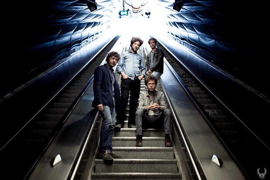 Réalisation video clip de musique marseille shooting photo groupe metro escalier