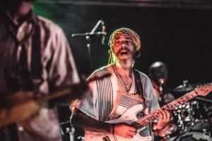 photographe vidéaste festival Neoules tiken jah fakoly guitariste