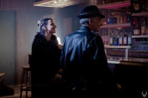 portrait de cathy backup voix du groupe raoul petite pendant le tournage du clip de Raoul Petite