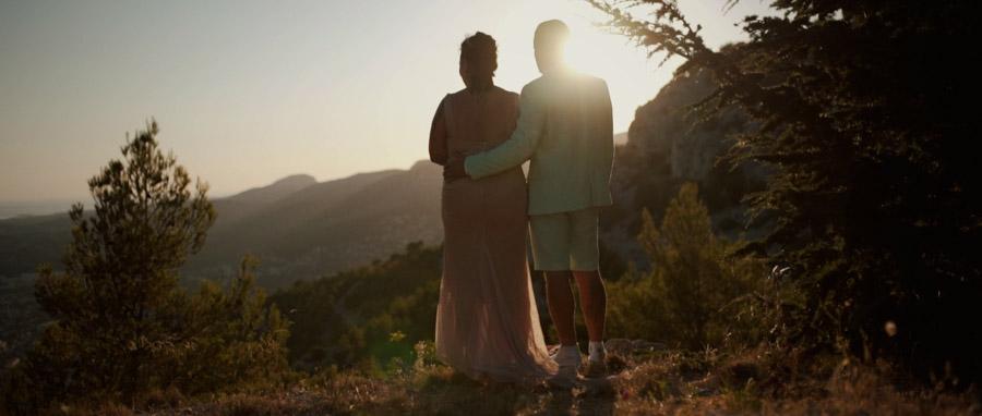 Film de Mariage alternatif Toulon Var Provence séance couple au faron