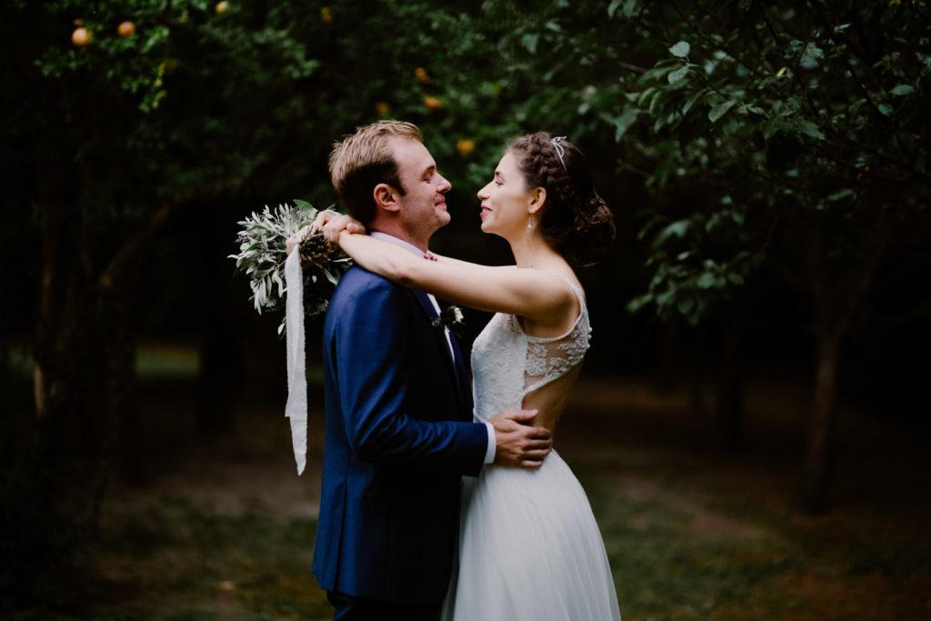 photographe de mariage en provence domaine du moulin des gaffins séance couple amoureux