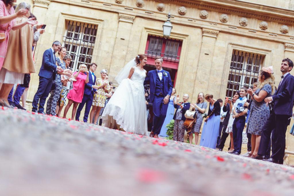 photographe de mariage aix en provence fête après la mairie