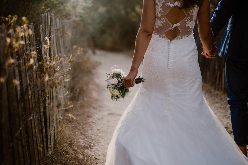photographe de mariage île du gaou bouquet de fleurs
