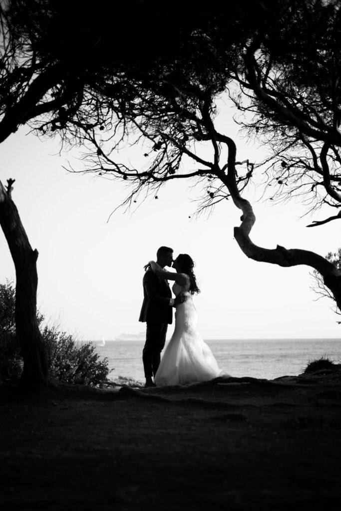 photographe de mariage île du gaou photo en noir et blanc