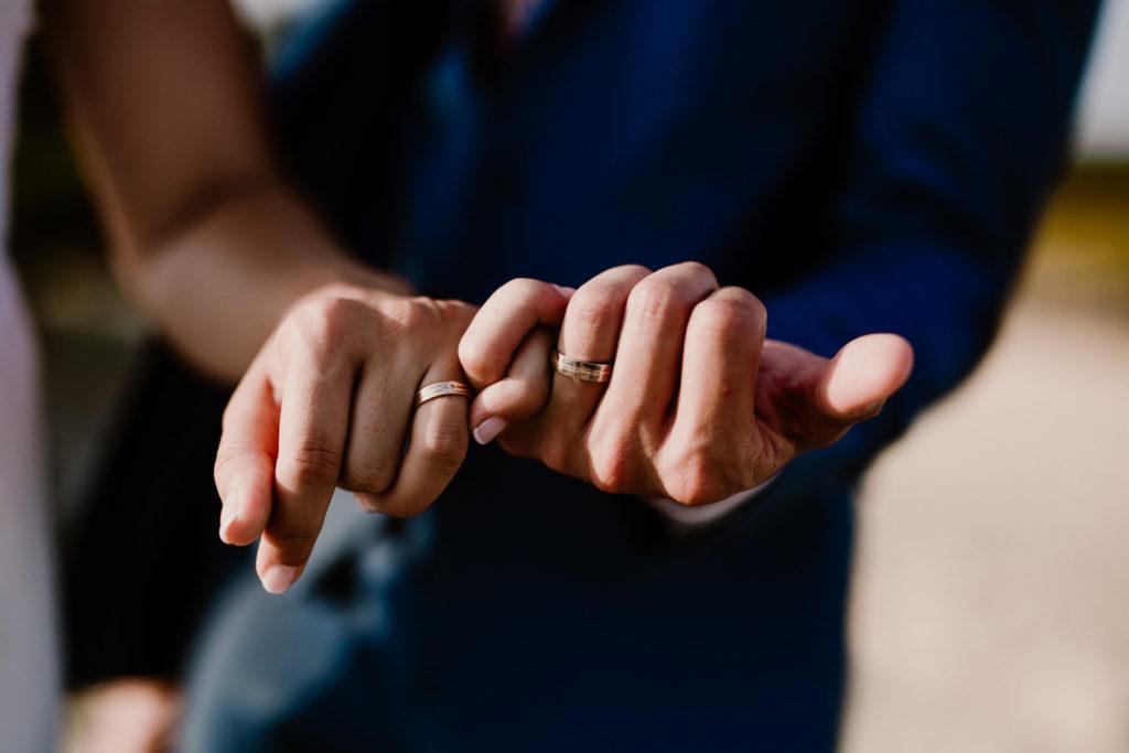 photographe de mariage six-fours-les-plages bagues alliances