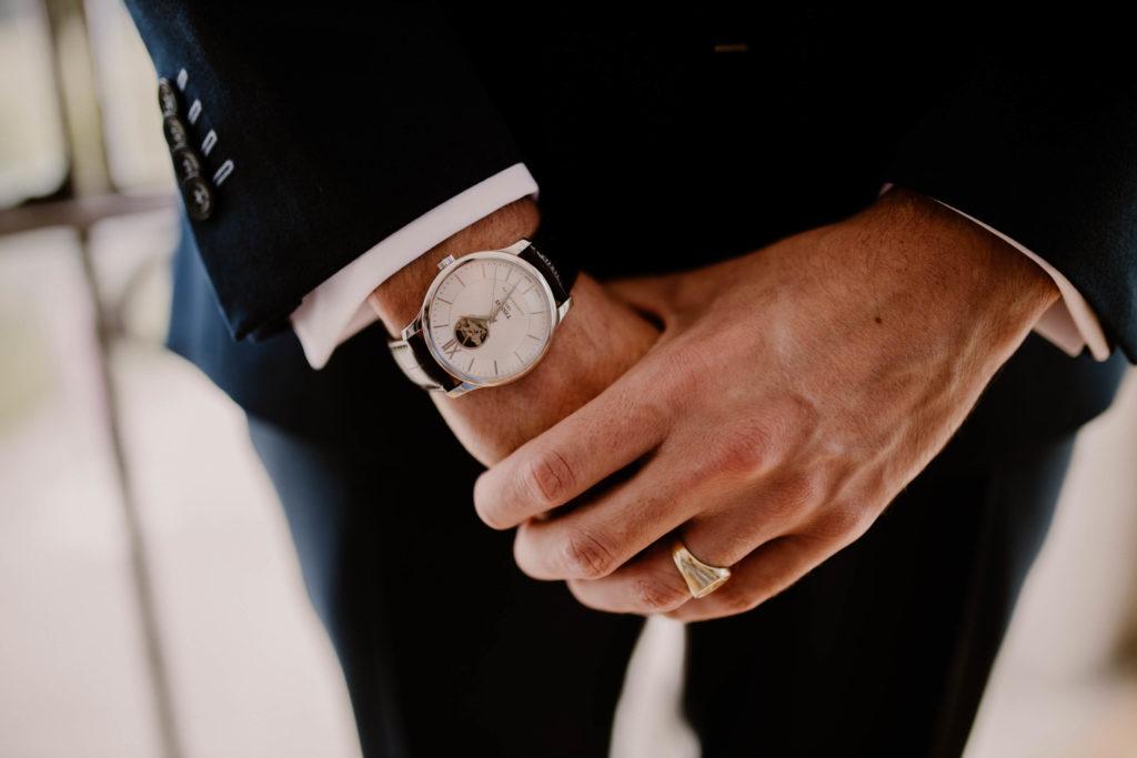 montre du marié pour son mariage à avignon