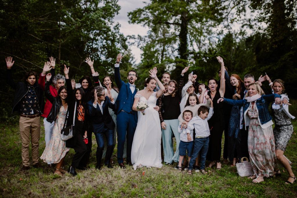 photo de groupe lors d'un mariage à avignon