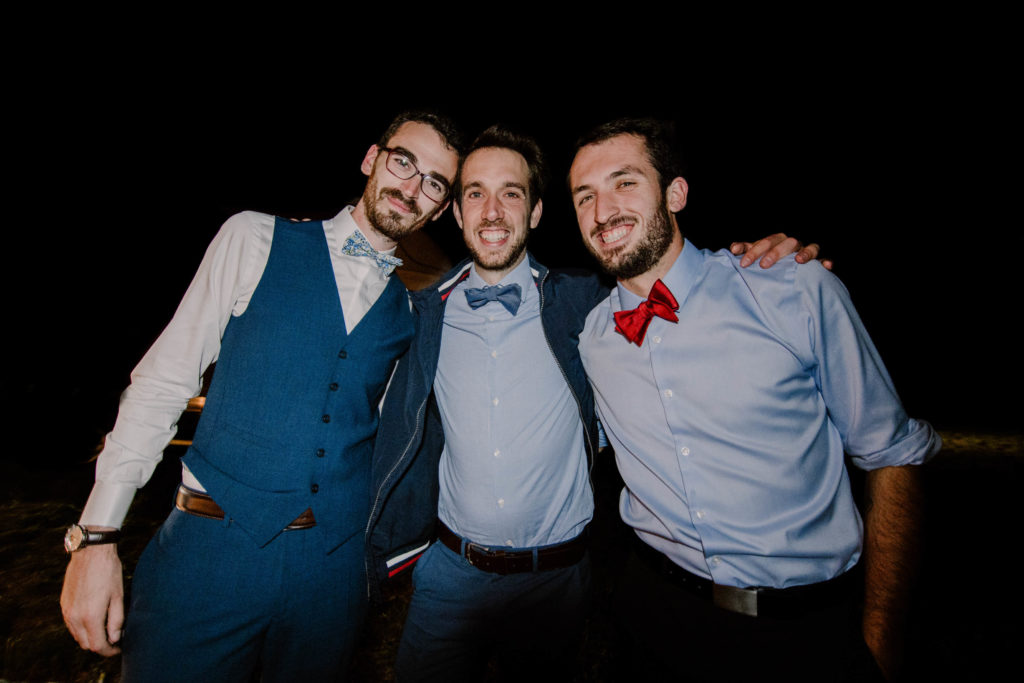 le marié et ses amis d'études