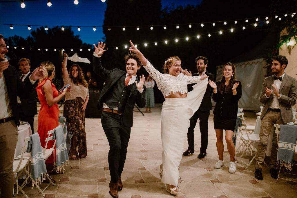 les mariées dansent au domaine du mont leuze
